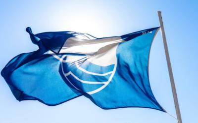 Calp renueva las tres banderas azules en sus playas